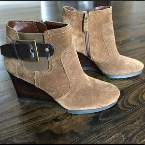 Franco Sarto tan suede wedge ankle bootie US 6.5